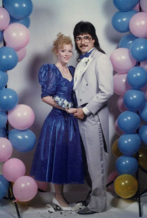 35 Ridiculous '80s Prom Photos in 2020 | Prom photos, Prom couples .