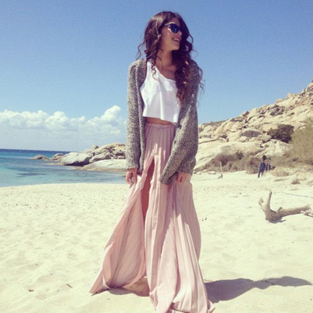 16 Best Beach Party Outfit Ideas for Women- Beach Style Lo