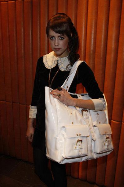 Big Bags are Coming Back Again!   Handbag Blog - RIONI