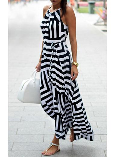Halter Maxi Dress - White Black / Sleevele