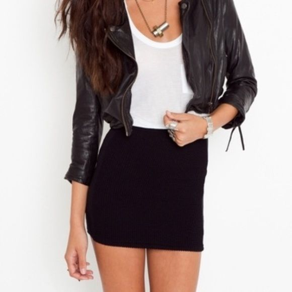 Black Bodycon Skirt Perfect for a night out. So comfortable and .