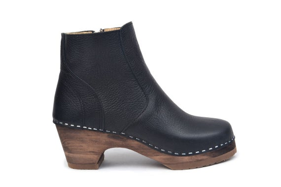 Swedish Low Heel Clog Boots / Auckland Boot in Black Leather / | Et