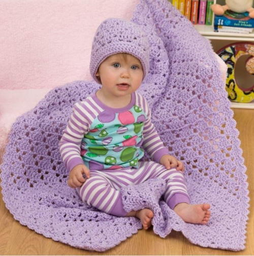 Easy One Ball Crochet Baby Blanket and Hat Set | FaveCrafts.c