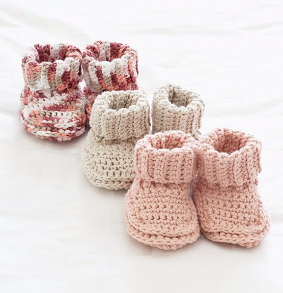 Mary Maxim - Free Knit or Crochet Baby Booties Patte