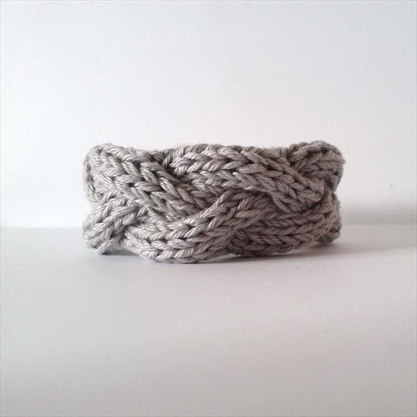 10 Easy and Free Crochet Bracelet Patterns (With images) | Crochet .