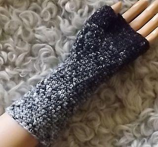 Simple crocheted fingerless glove with thumb gusset. | Crochet .