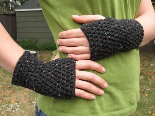 Peasy Crochet Fingerless Gloves | AllFreeCrochet.c