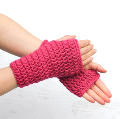 50-Minute Fingerless Crochet Gloves - Repeat Crafter