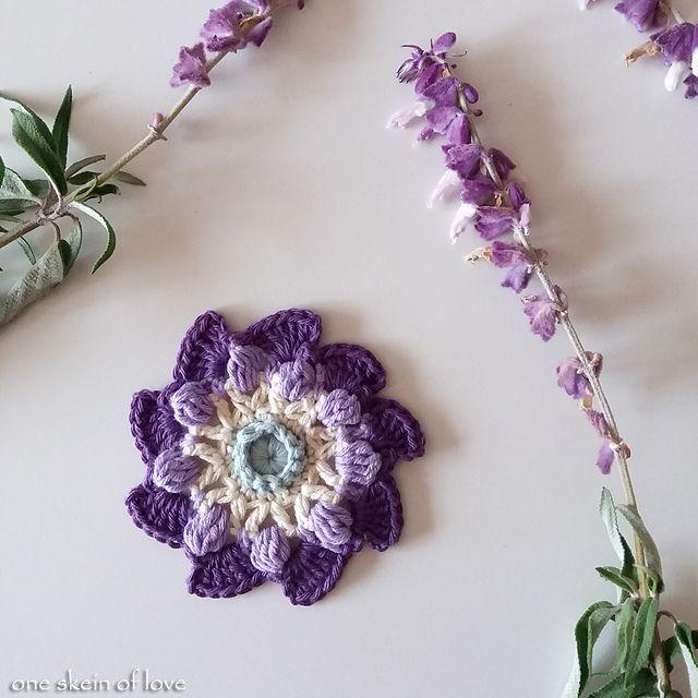 25 Easy Crochet Flower Patter