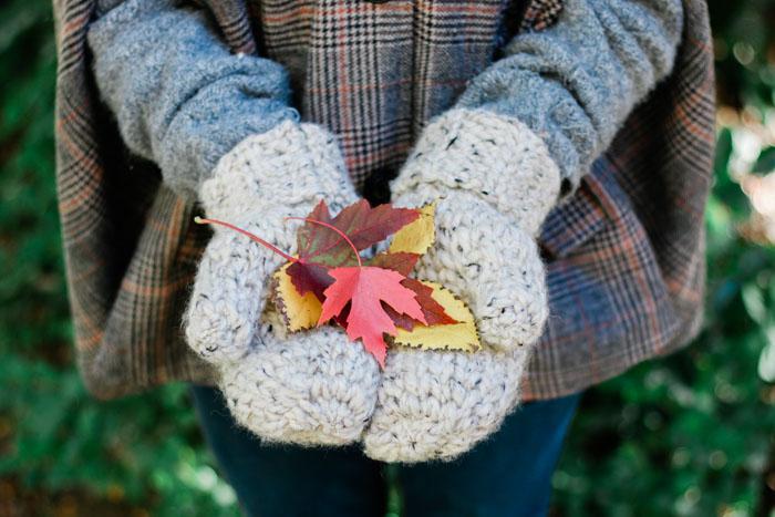 3 Hour Chunky Crochet Mittens - Free Pattern + Detailed Tutori