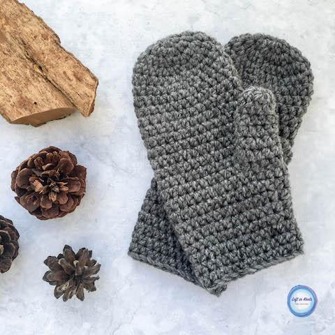 Basic Bulky Men's Mittens Crochet Pattern — Left in Kno