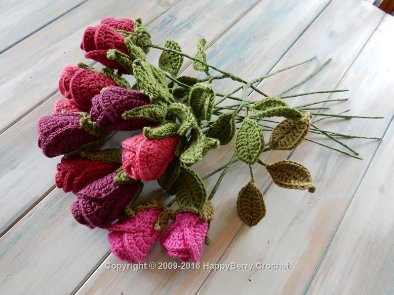 Realistic Crochet Roses   HappyBer