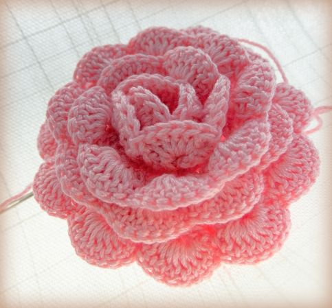 Free pattern for an even more perfect, perfect rose •✿• Teresa .