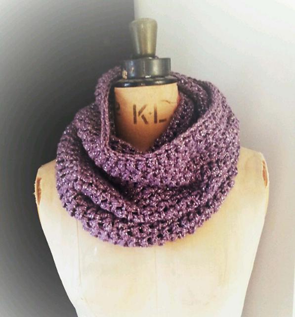 Ravelry: Easy Crochet Snood pattern by thredH