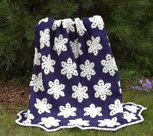 Dainty and FREE Snowflake Crochet Patterns | Crochet snowflake .
