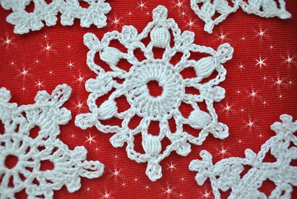 5 Free Crochet Snowflake Patterns   Beautiful Crochet Stu