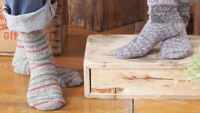 Crochet Socks for Beginners Pattern | The Crochet Cro