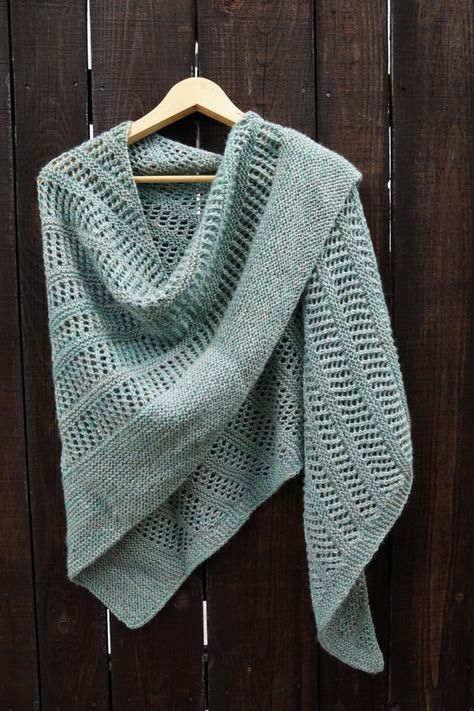 Blue Paris Shawl Toujours knitting project shared on the .