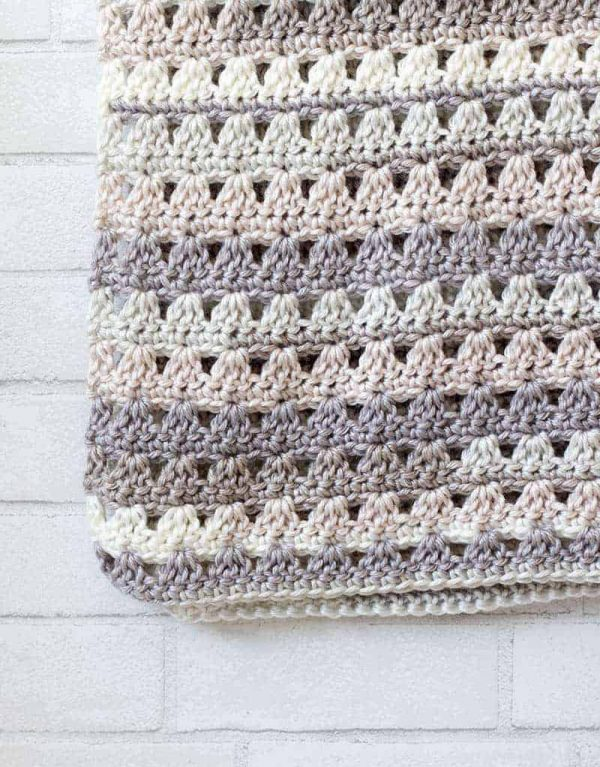 17 Easy Crochet Afghan Patterns to Start This Weekend • Simply .