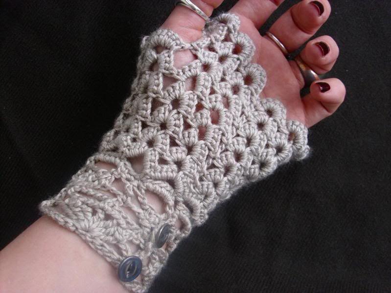 free crochet patterns for fingerless gloves | Crochet Neo .