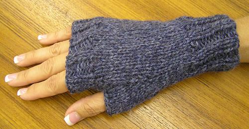Ravelry: Easy Fingerless Mitts pattern by Maggie Smi