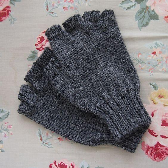 Men's Fingerless Gloves pattern by J. Campbell | Fingerless gloves .