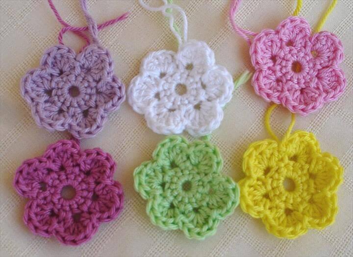 22 Easy Crochet Flowers For Beginne