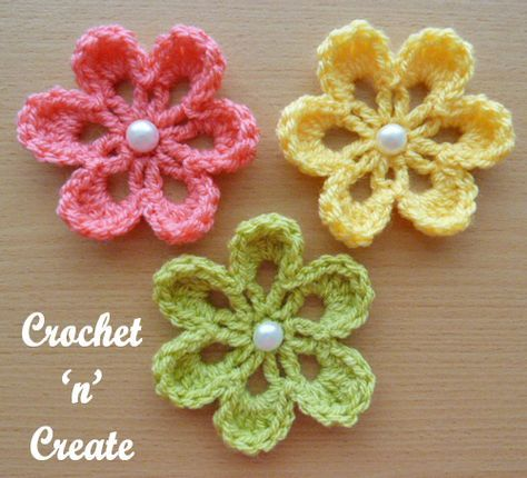 Small Flower Applique | Crochet flower hat, Crochet small flower .
