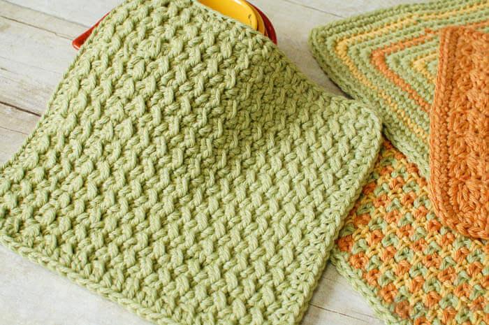 Crunchy Stitch Crochet Dishcloth Pattern | Petals to Pico