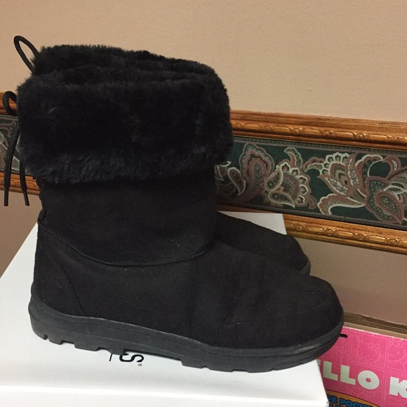 Shoes | Black Furry Boots Womens Size 65 | Poshma