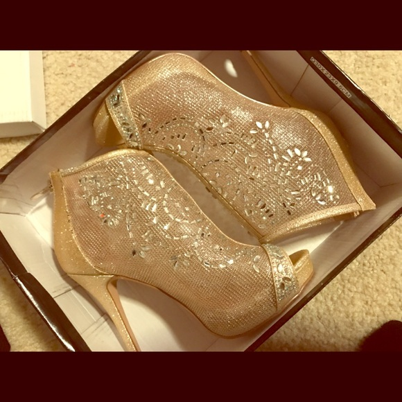 Shoes | Gold Prom Heels | Poshma