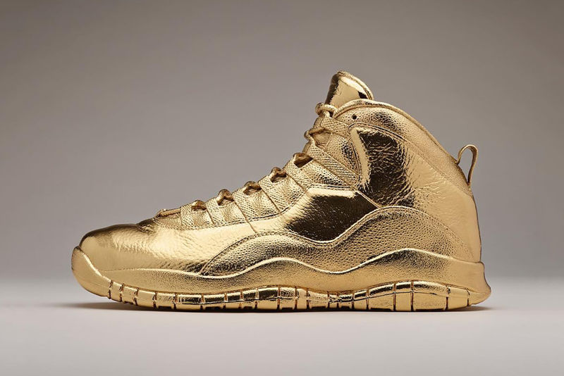Solid Gold Sneakers : gold Air Jord