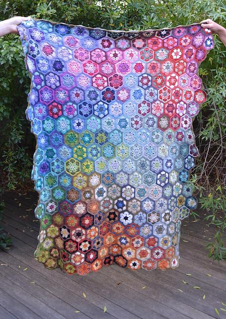 Splash Hexagon Blanket Free Crochet Pattern | DailyCrochetIde