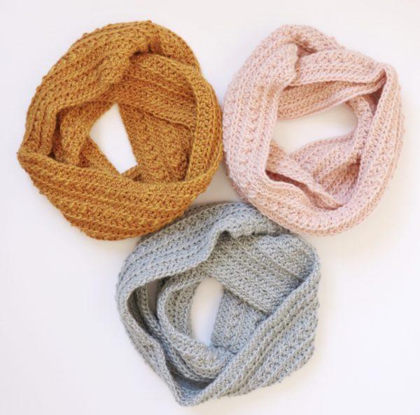 Crochet Cluster Stitch Infinity Scarf | Daisy Farm Craf
