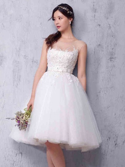 Princess Scoop Neck Tulle Knee-length with Sashes / Ribbons .