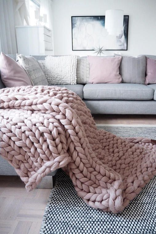 8 Affordable Chunky Knit Blankets You Can Buy On Amazon | Otthon .