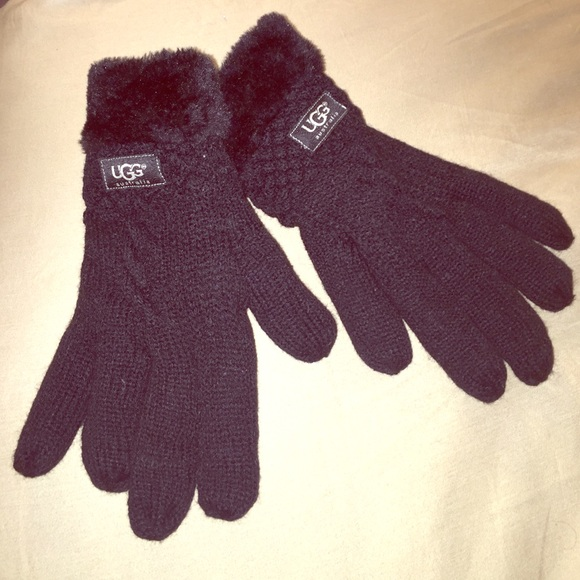 UGG Accessories | Unisex Large Knit And Fur Gloves Black | Poshma