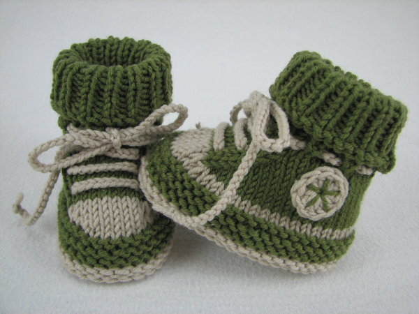 Baby shoes /// baby boots -- knitting patte