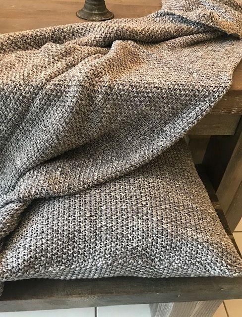 Grey Melange Knitted Blanket — AG Home Interio