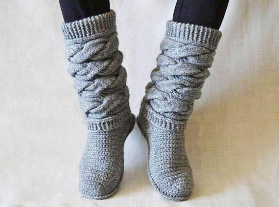Homemade shoes. Gray Knitted Boots. High. Homemade knitting | Et