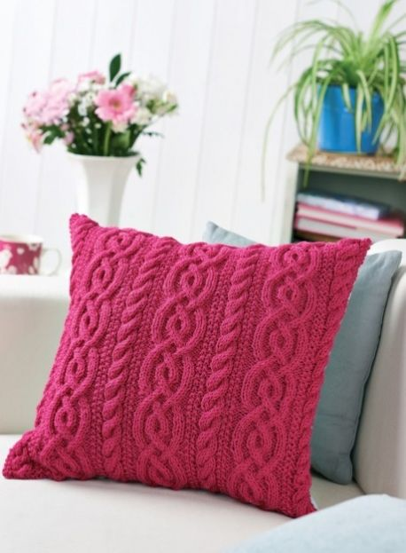 Cable Cushion   Knitted cushion covers, Knitted cushions, Knit pill