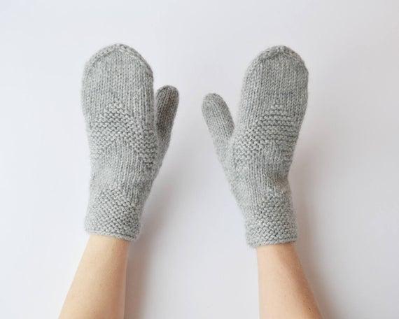 Grey wool mittens Grey knitted gloves Minimalist grey mittens   Et
