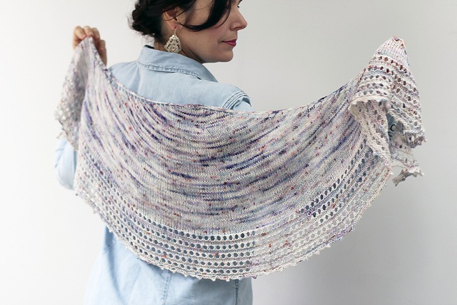 15 Beautiful Knitted Shawls for Beginne