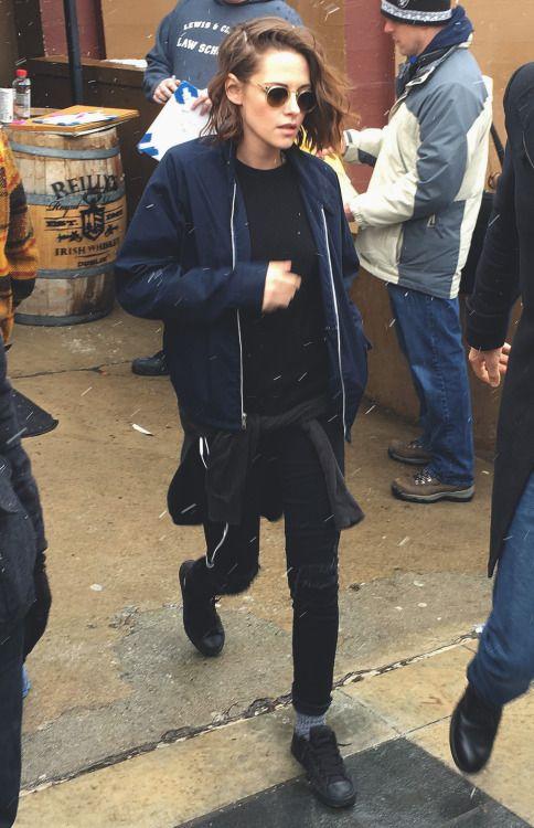 Kristen Stewart black pants, black sneakers, socks, warm, winter .