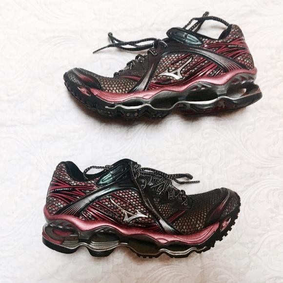 Mizuno Shoes   Womens Wave Prophecy 1 Running 85   Poshma