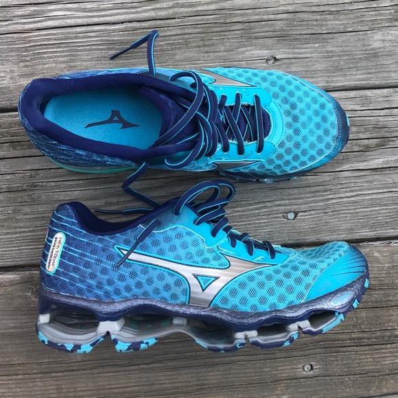 Mizuno Shoes   Womens Wave Prophecy 4 Size 85 Sneaker   Poshma