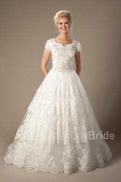 Modest Wedding Dresses : Cecily Sale – LatterDayBri