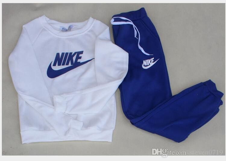 Women's 2 PC Nike Track/Jogging Suit - Loluxe - 4   Jogging suit .