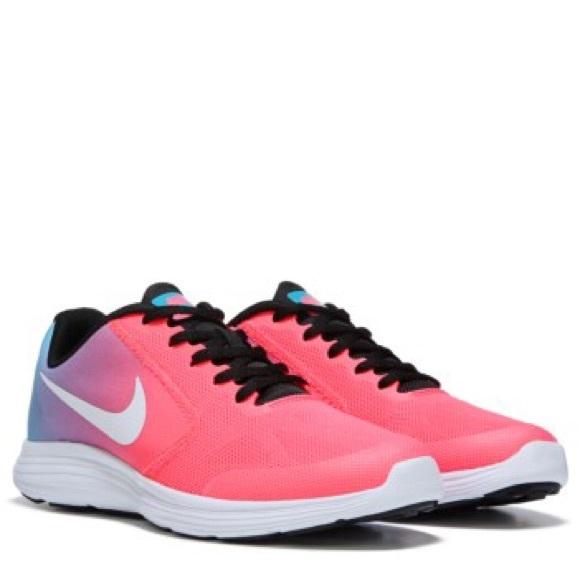Nike Shoes | Girls Revolution 3 Sneakers | Poshma
