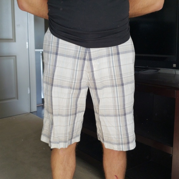 burnside Shorts | Plaid | Poshma
